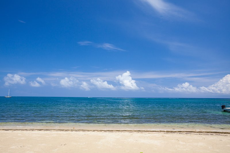 vista da praia e céu azul