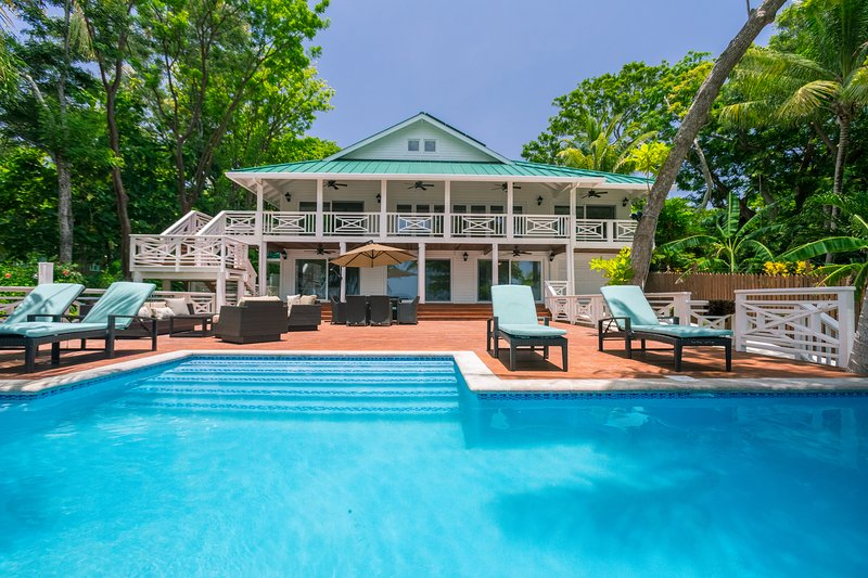 Serenity Beach House, holiday rental in West End