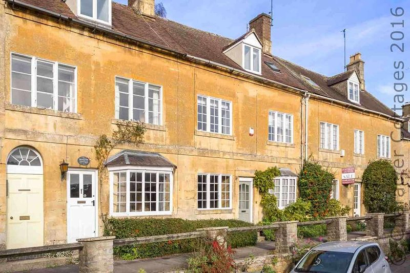Hainault House, a stunning holiday home in the historic heart of Blockley