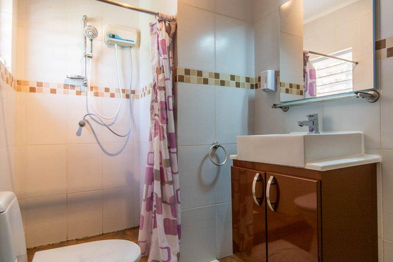 Good lavatory, clear mirror
