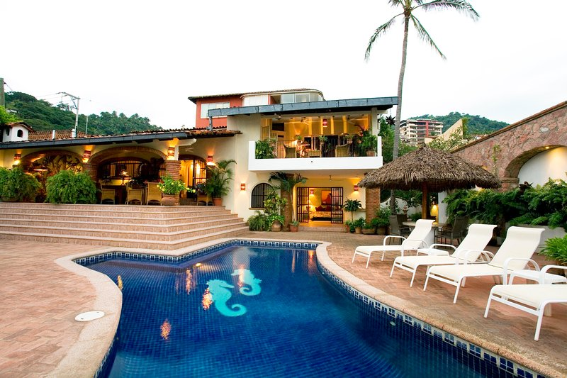 Casa Coco - Puerto Vallarta - 4 Bedrooms, vacation rental in Puerto Vallarta