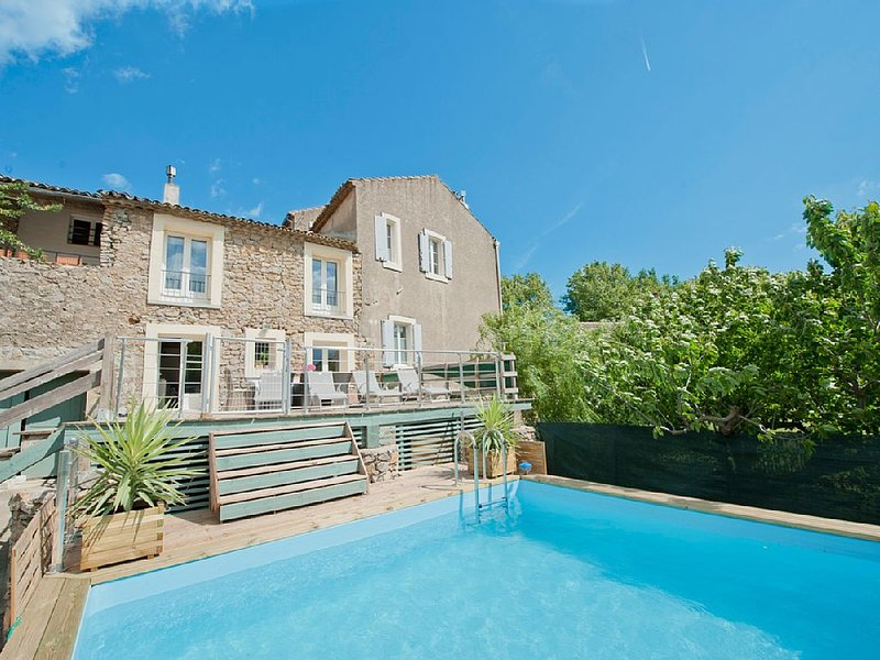 Large Holiday Rental South of France - Sleeps 8+ Heated Pool & Near Beaches., vacation rental in Saint-Nazaire-d'Aude