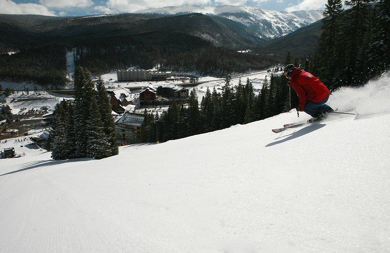 Esquiar hasta el pueblo y caminar a casa