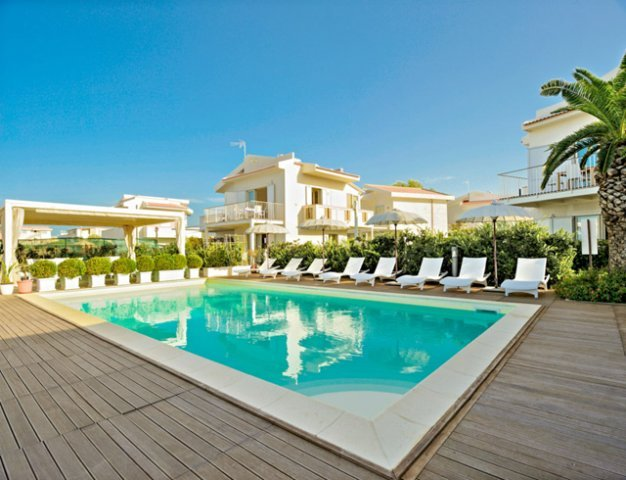 beach-side with pool (Lipari C), vacation rental in Terme Vigliatore