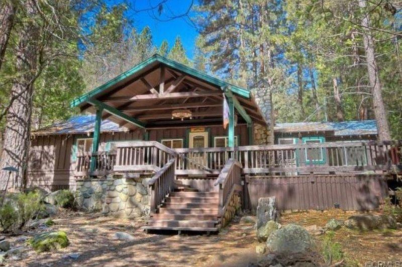 Little Creek Cabin - Pet Friendly!