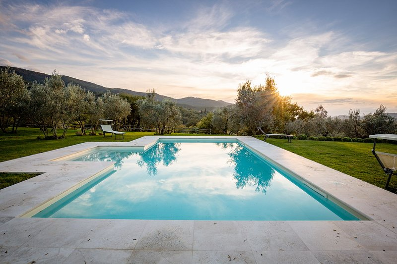 Gaggioleto, fascinating villa with panoramic view, holiday rental in La Strada-Santa Cristina