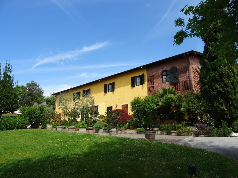 Villa Magnolia - Wonderful villa with private pool, A/C, WIFI and SPA, alquiler vacacional en Camigliano
