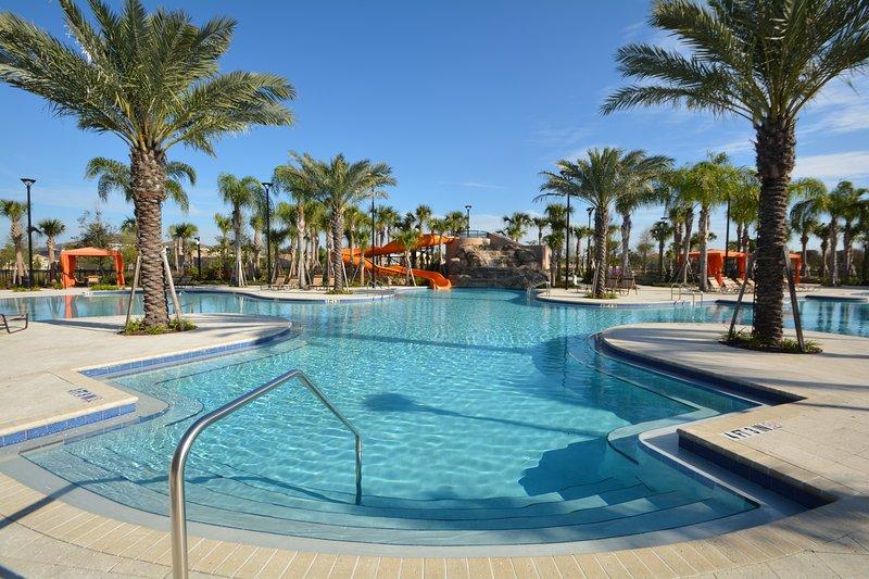 Instalaciones en el sitio: piscina