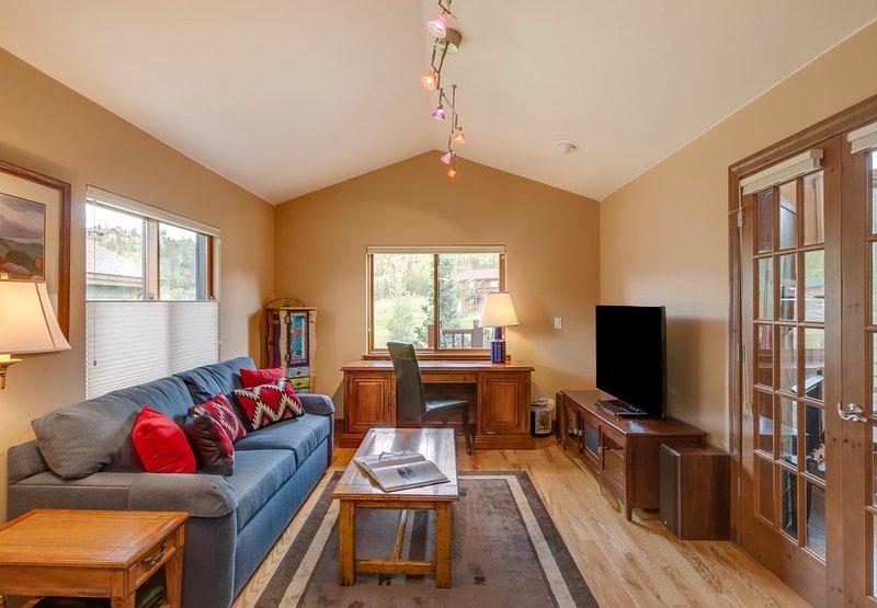 Second living area (den)