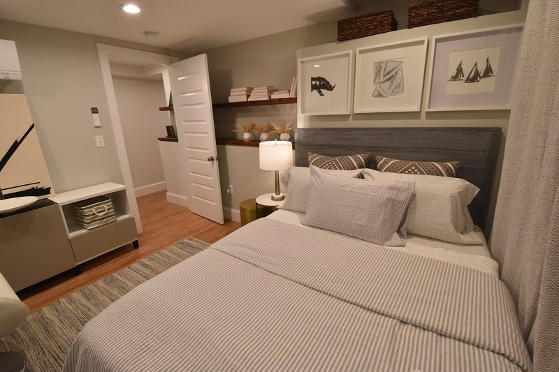 Boston, New Beautiful chic  3BR 3BA apt. sleeps 7 (M1G), vacation rental in Boston