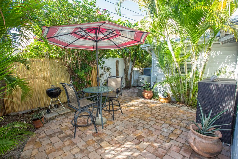 Shady Courtyard, Grilling Area