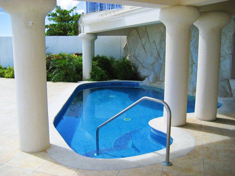 South Ocean 601 - La piscine partagée sur la terrasse