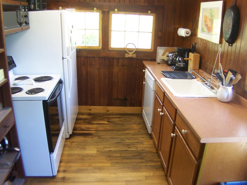 Here's the kitchen,very basic, but equipped with everything you'll need, including a dishwasher