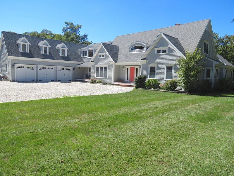 New & Stunning in Orleans, Tonset Area: 204-O, Ferienwohnung in East Orleans