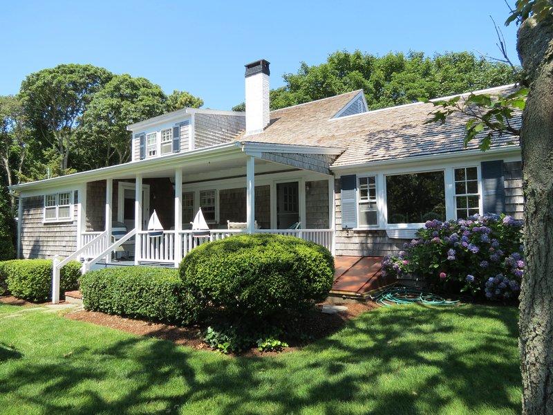 4 dormitorios, 2 baños por excelencia, casa de Cape Cod