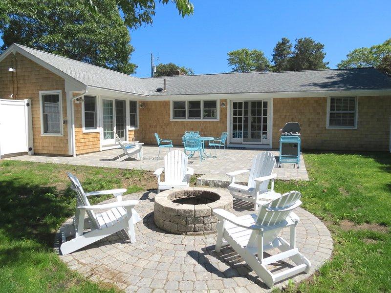 Plenty of appealing outdoor living space.
