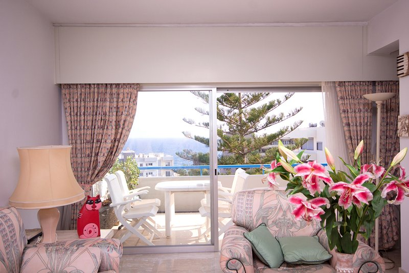 Alania Sea View Apartment 33 in complex with pool, holiday rental in Finikaria
