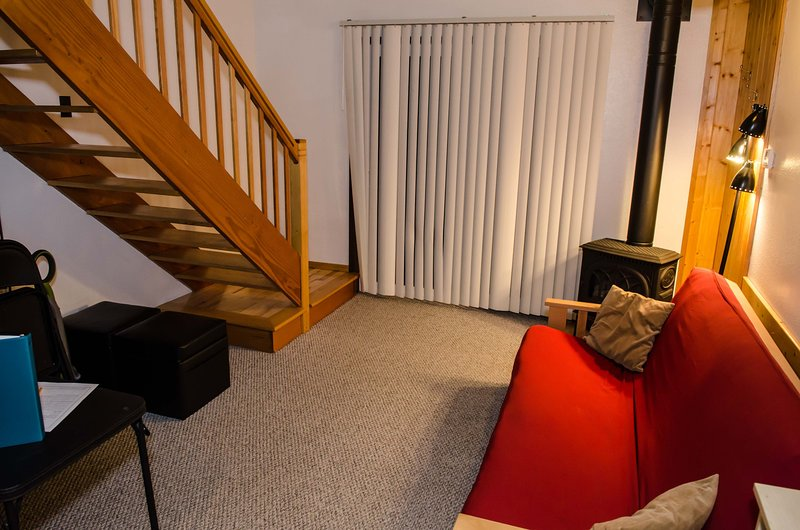 Living room w/gas stove