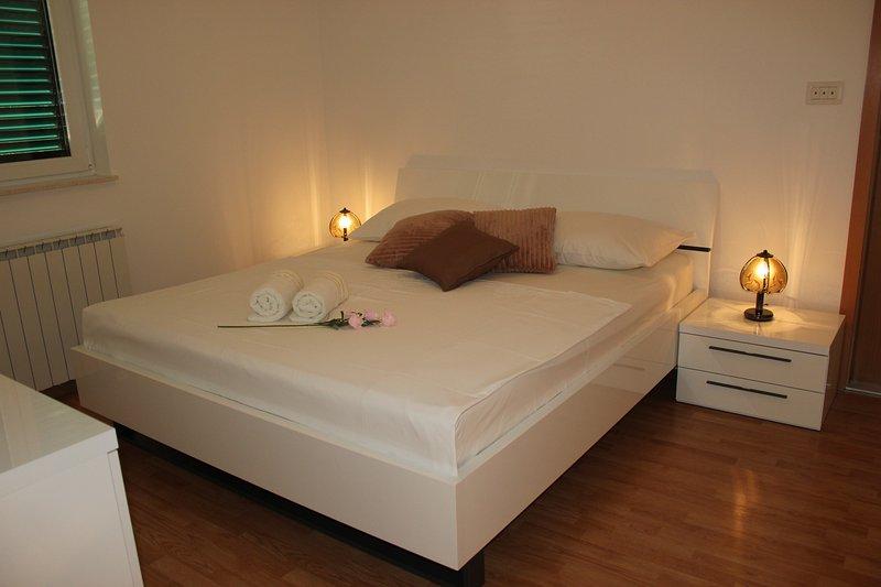 Trogir / Vranjica Apartment M 6, vacation rental in Seget Vranjica