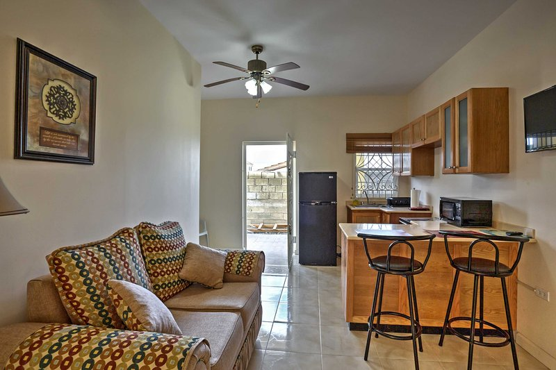 This 2-bedroom, 1-bathroom Jamaica apartment is the perfect tropical escape!