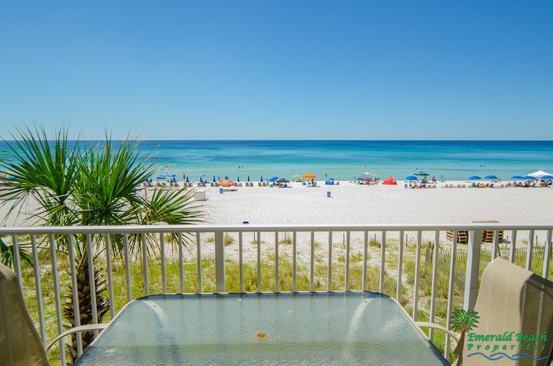 Sie fühlen sich wie Sie direkt am Strand sind noch weit weg von allem auf Ihrem privaten 2. Stock Balkon!