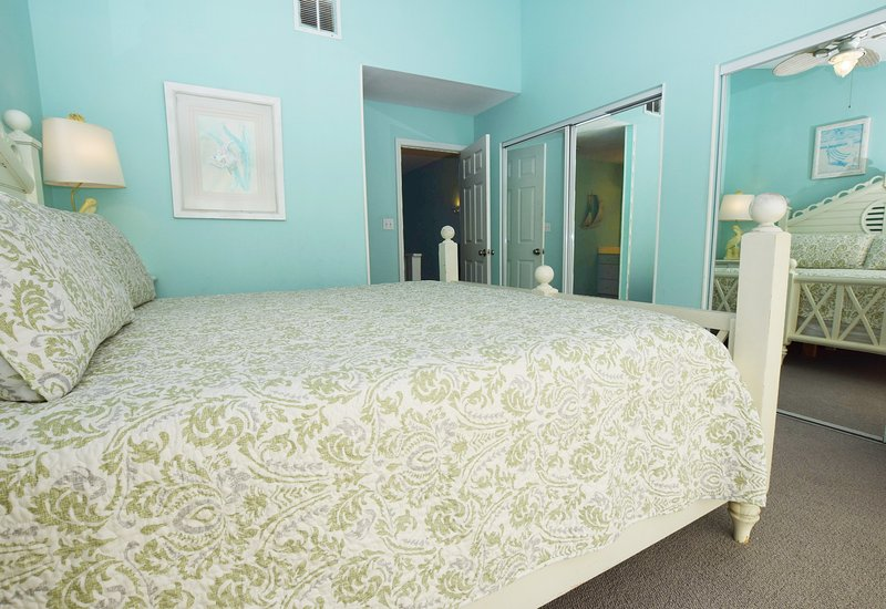 Camera da letto principale, Sandollar Townhomes Unit 12 Miramar Beach House Destin Case per le vacanze