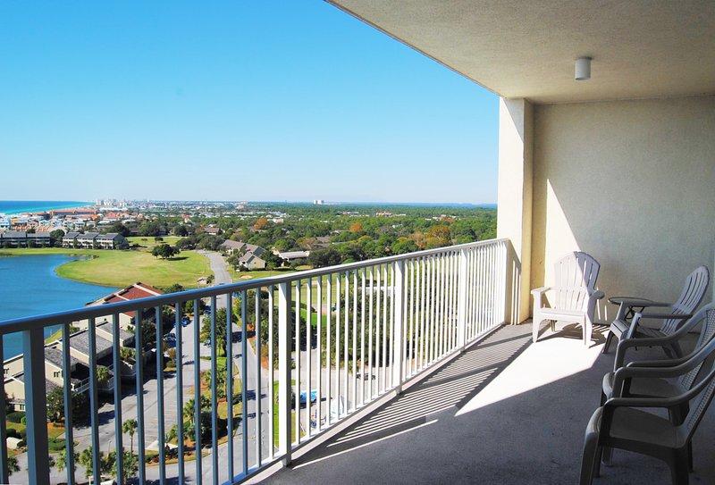 Balcony, Ariel Dunes II, Destin Vacation Condo Rentals