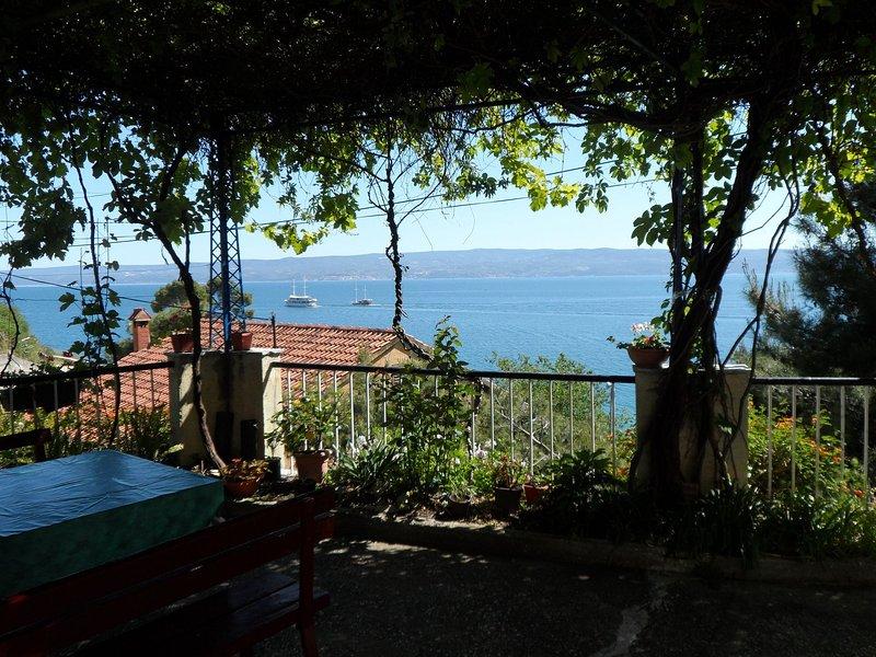 Mari - 40 m from sea: A1(4) - Krilo Jesenice, holiday rental in Krilo Jesenice