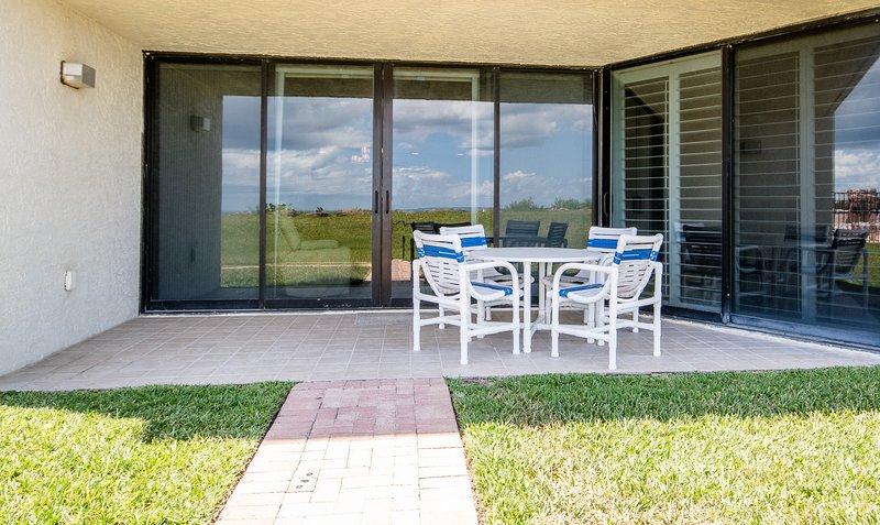 Chair,Furniture,Door,Folding Door,Dining Room