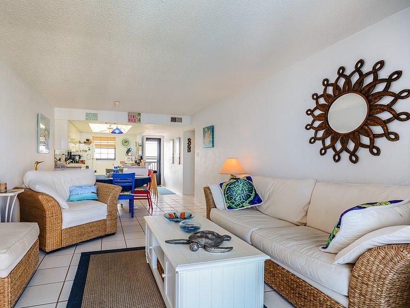 Indoors, Room, Bedroom, Cushion, Home Decor