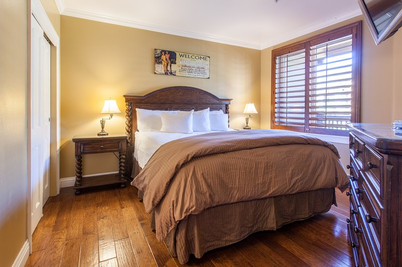 Master Bedroom- King Bed with flat screen tv