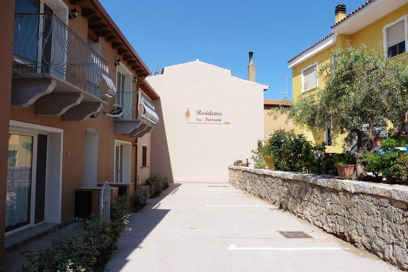 Apartment in residence Via Sassari, alquiler vacacional en Paduledda