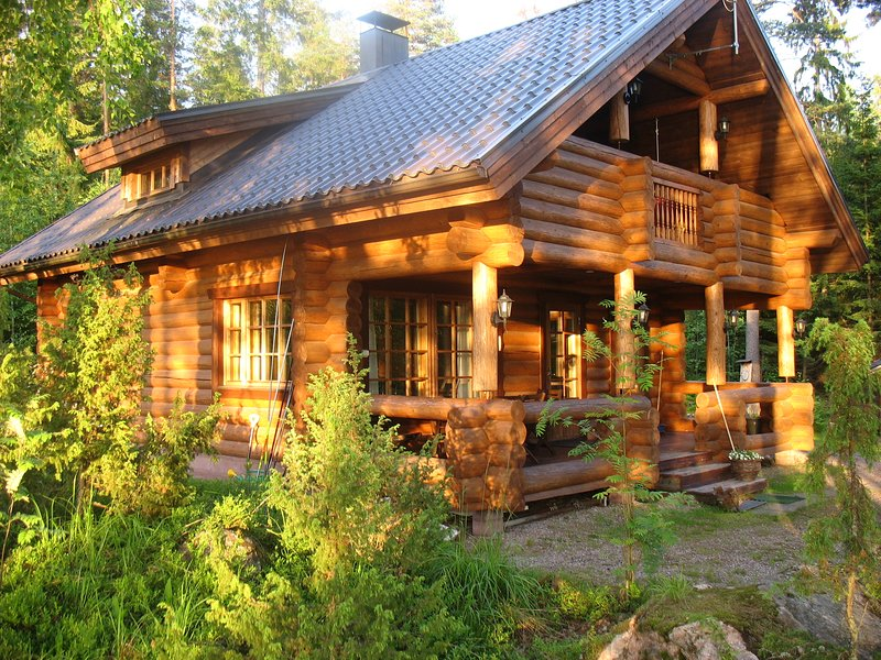 Isokoskelo - cozy cottage on the Lake shore, holiday rental in Hollola