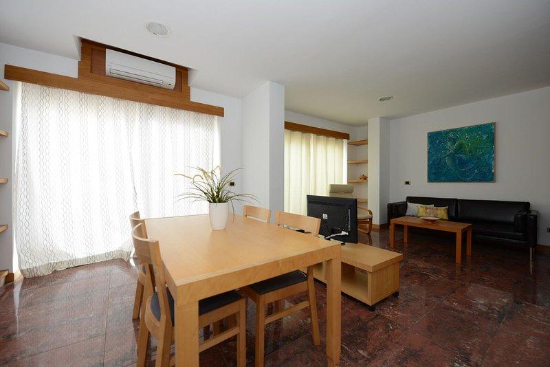 ATICO GRAN TERRAZA A 50 MT DE LA PLAYA DE LAS CANTERAS, aluguéis de temporada em Las Palmas de Gran Canaria
