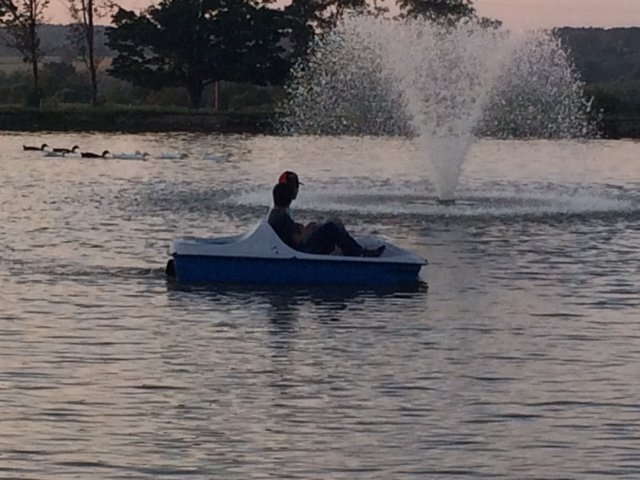 SUMMER ENJOY PADDLE BOAT