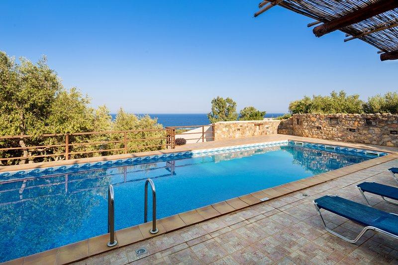 Villa Kimothoe w/Private Pool, only 10 km to famous Elafonissi Beach. Sea views – semesterbostad i Keramoti