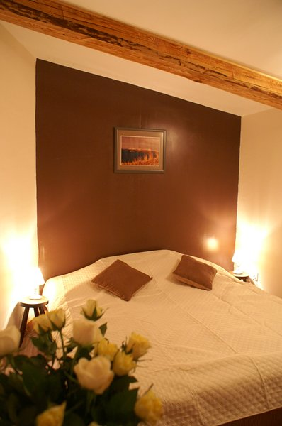 Double room with access to the terrace.