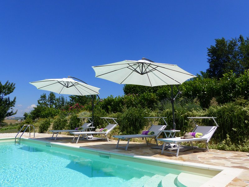 Villa Miramonti - CARDELLINO, holiday rental in Sant'Angelo In Pontano