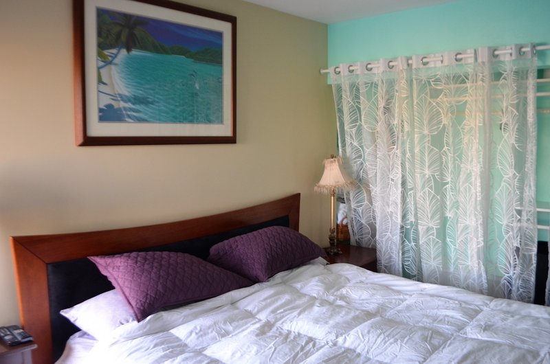 King size bed - so comfortable!  You also have access to a big closet.