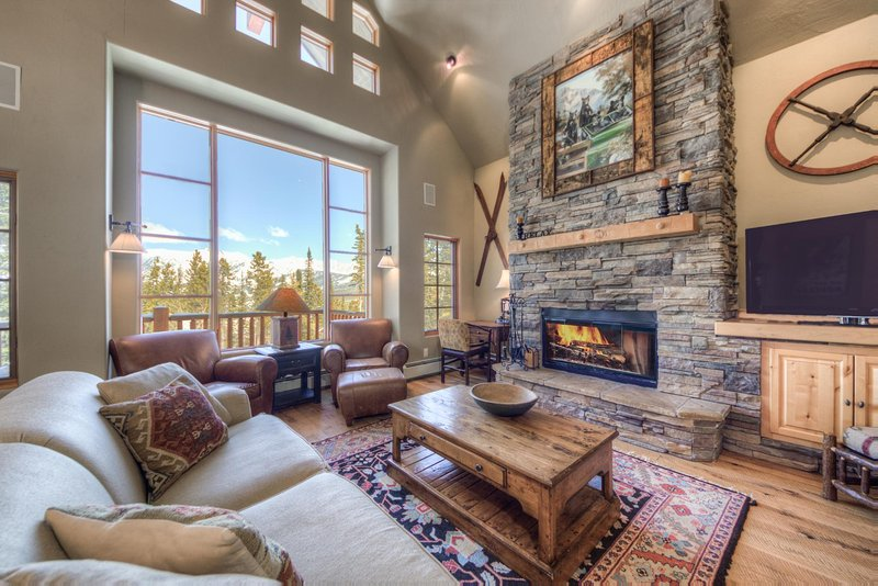 Moonlight Mountain Home | 7 Mountain Home, holiday rental in McAllister