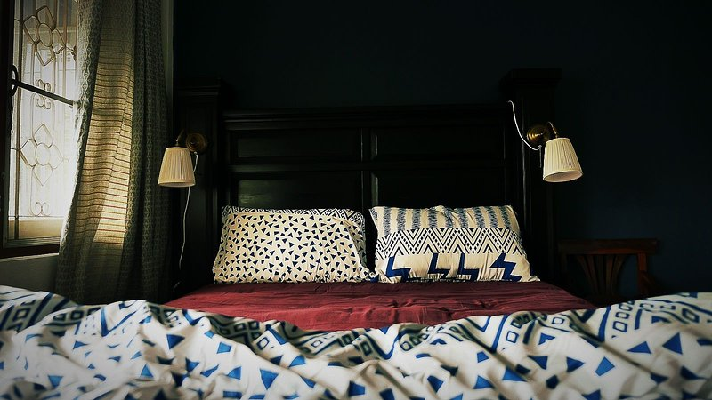 Neo-classic comfy double bed