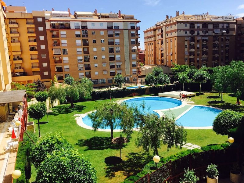 Nice apartment ideal area with pool, communal areas and bar within the residential summer.