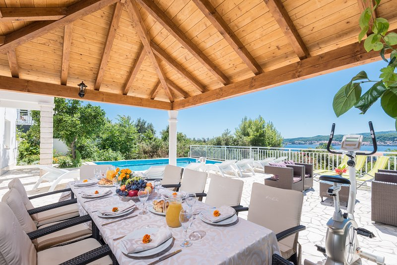 Holiday home perna with swimming pool updated 2019 - Summer house with swimming pool review ...