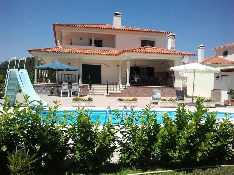 Schitterend Appartement met zwembad / Porto Longo 10 km van de kust Pedrogado, vacation rental in Pombal