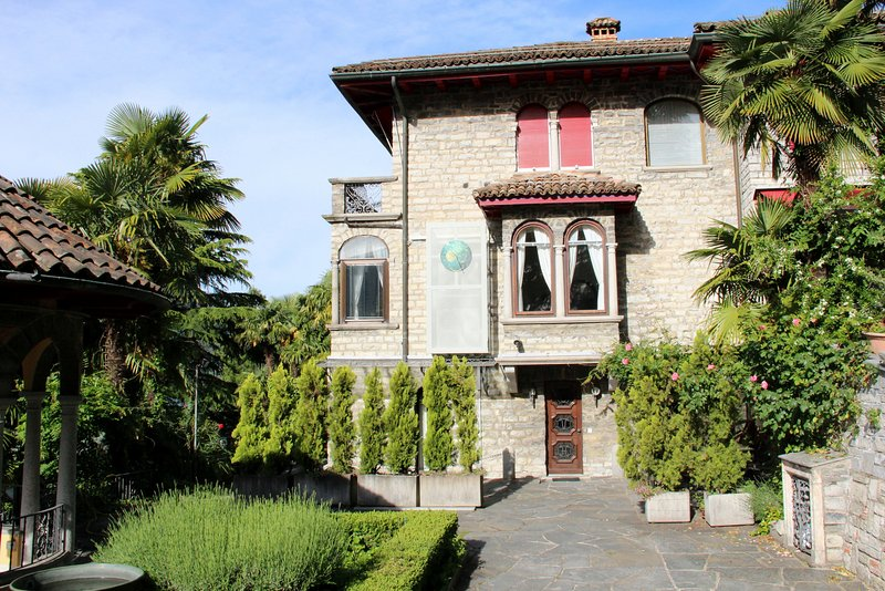 View to the villa with entrance to apartment 'Brè2 on the ground floor
