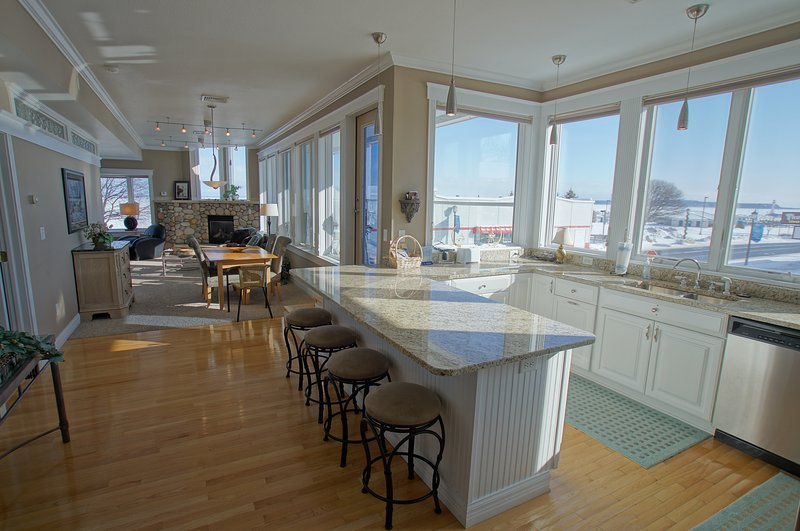 Pier Harbor #3, holiday rental in Saint Ignace