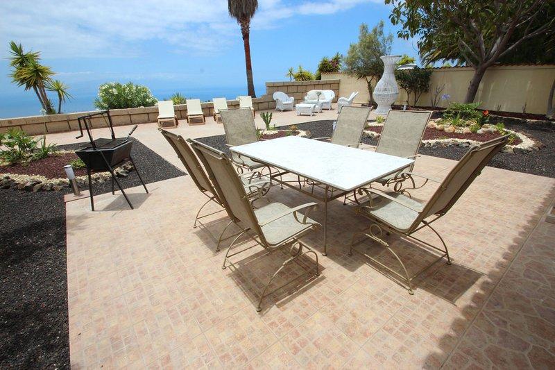 Casa Herrenhaus Finca Montimar with common Pool heated indoor pool, holiday rental in Chio