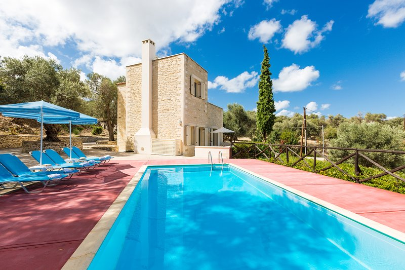 Villa Amygdalia (Maroulas Villa Estate), holiday rental in Maroulas
