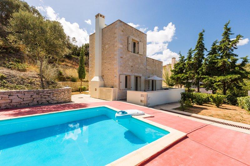 Villa Elia (Maroulas Villa Estate), holiday rental in Maroulas