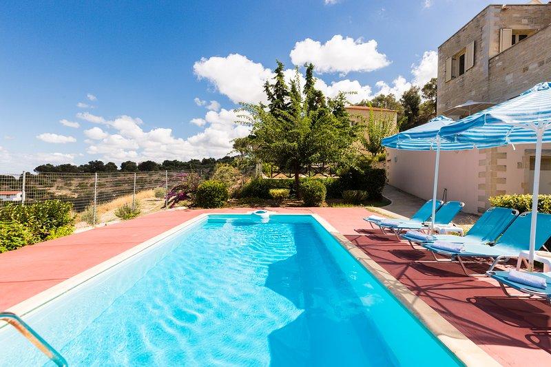 Villa Rodia (Maroulas Villa Estate), holiday rental in Maroulas